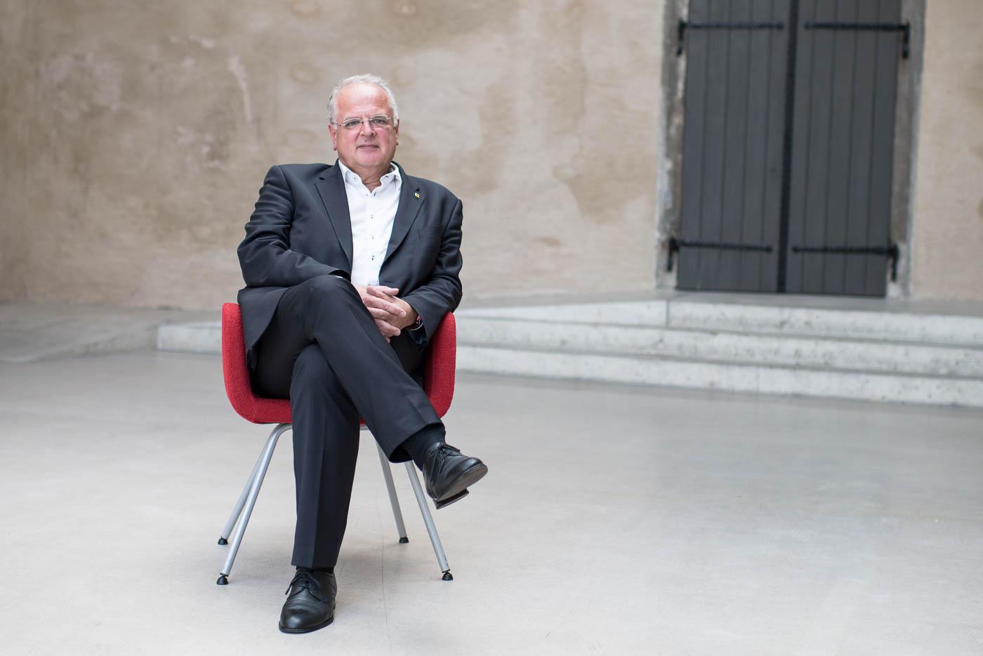 Dr. Reinhard Resch